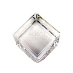 Crystal Paperweight_3429294_0034