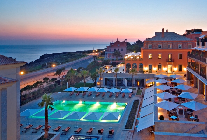 Villa Italia hotel pool and view